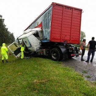 impresionante accidente en la autopista santa fe - rosario a la altura de la tatenguita