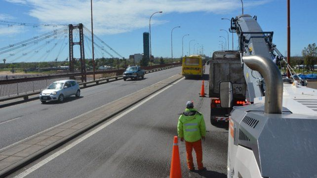 Con operativo especial, continúan las tareas de repavimentación de la ruta 168