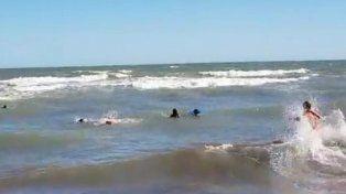 Guardavidas rescataron a tres nenas en Monte Hermoso