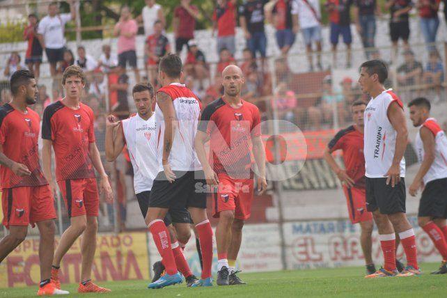 El equipo que pararía Eduardo Domínguez ante Racing de Uruguay