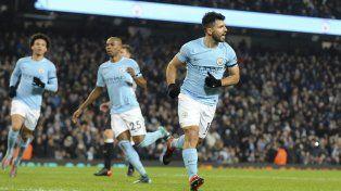 El City volvió al triunfo con un triplete de Agüero
