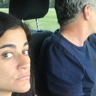 Carmela Moreau y Agustín Rossi, viajando juntos en auto.