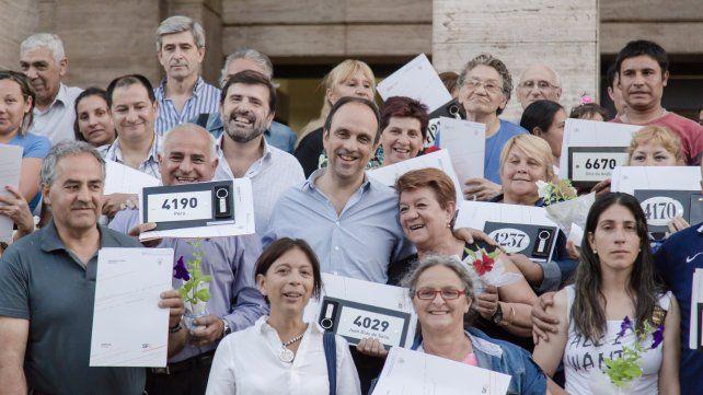 En diez años, el municipio entregó 4.405 escrituras a familias santafesinas