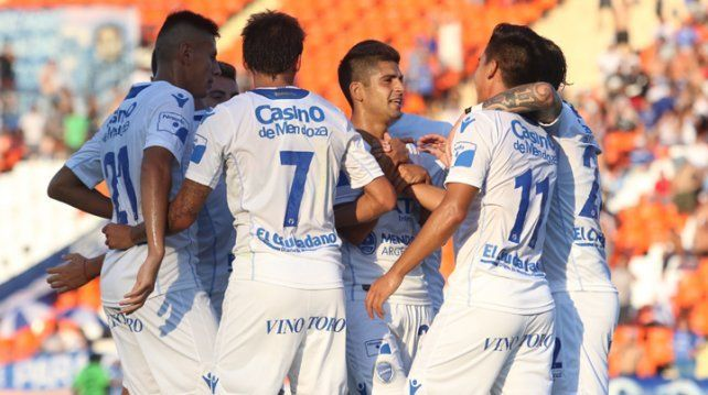 Godoy Cruz arrancó con el pie derecho en la reanudación de la Superliga