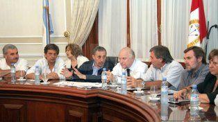 Reunión del gobernador Obeid con intendentes en dónde se lo ve junto a Miguel Lifschitz cuando era intendente de Rosario