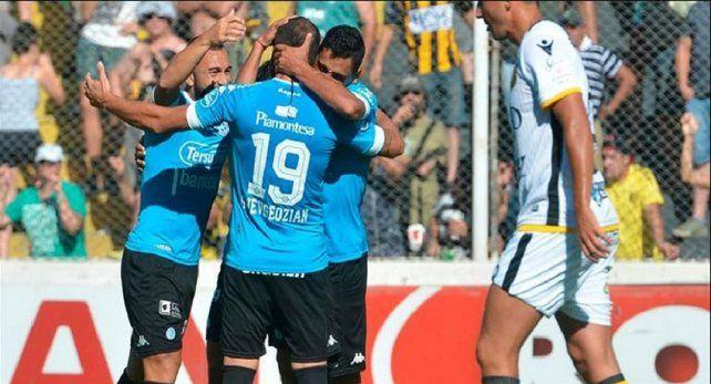 Belgrano hundió a Olimpo en zona de descenso