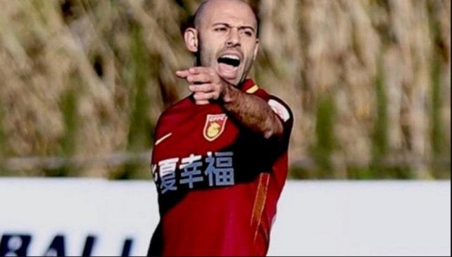 Mascherano jugó los primeros minutos con Hebei Fortune