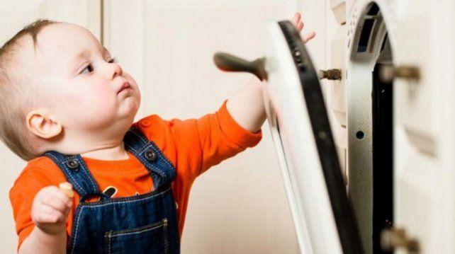 Cómo prevenir lesiones domésticas en niños