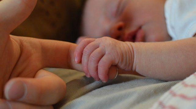 Natural y sin anestesia: parió a una nena de 6,3 kilos