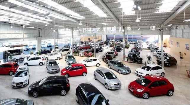 Efecto pos-Paso: el patentamiento de autos cayó en Santa Fe un 30 por ciento