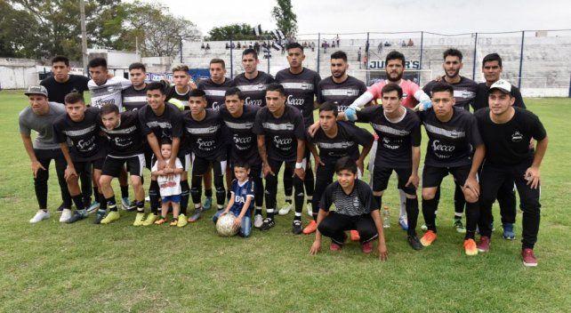 ¡Escándalo en Córdoba! Un jugador amenazó con un arma a su DT