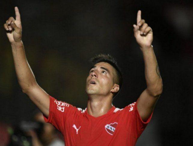 ¿Porqué Leandro Fernández no festejó el gol que le convirtió a Colón?
