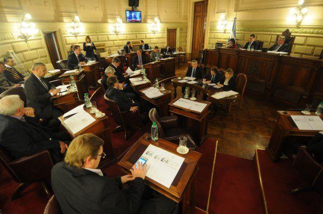 Debate. En el Senado hay tres pedidos de endeudamiento más el pacto fiscal.