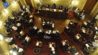 el senado se toma su tiempo para aprobar la reforma tributaria y los endeudamientos