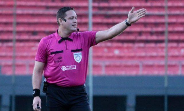 El pasado lo condena al árbitro que dirigirá a Colón por la Sudamericana