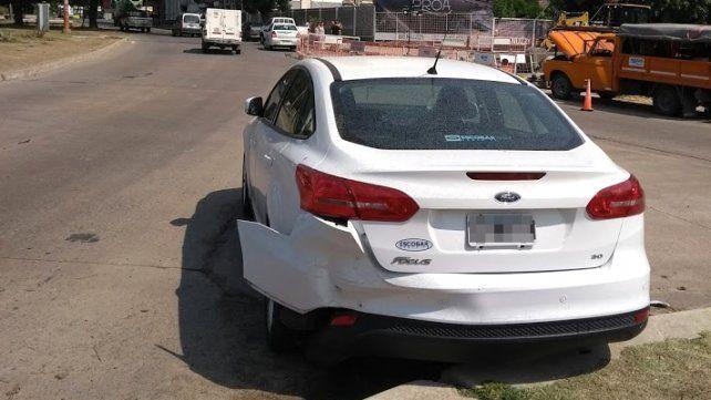 Insólito: un auto sin conductor chocó a otro en pleno Bulevar