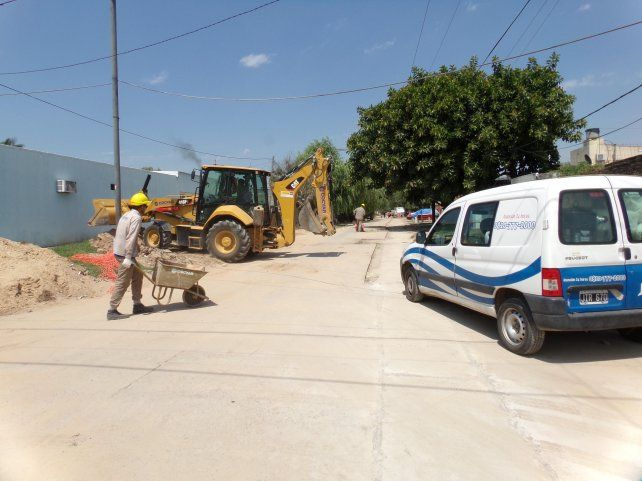 Aguas Santafesinas trabaja en la red cloacal de barrio Centenario