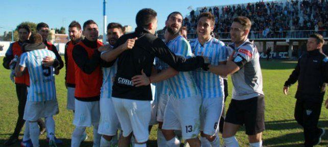 Villa Dálmine y Juventud Unida quieren trepar a la punta de la B Nacional