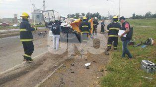 Brutal. Así quedó la camioneta en la que iban las personas fallecidas.
