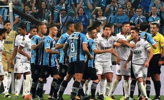 La Conmebol multó a Gremio por actitud antideportiva