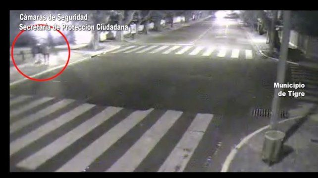 Detienen  a un hombre por golpear y ahorcar con un cable a su pareja en la calle