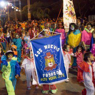 esta noche cierran los carnavales entre todos en la costanera este
