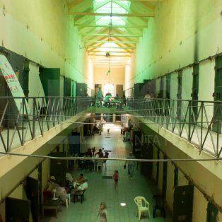 asesinaron a punaladas a un preso en la carcel de coronda