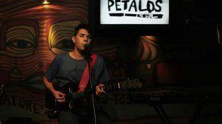 Gonzalo presentando su set en Córdoba