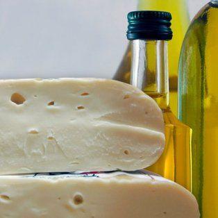 prohiben el consumo de un queso cremoso y un aceite de oliva