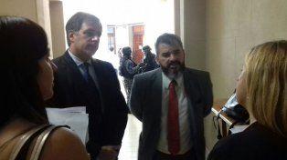 El fiscal regional Arietti y el fiscal Marchi, antes de comenzar la audiencia imputativa de hoy.