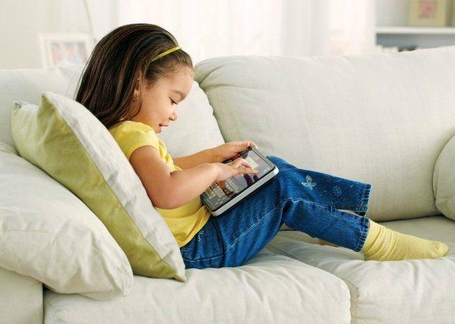 Recomiendan estrategias digitales para fomentar la lectura en los chicos