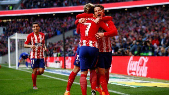 Atlético Madrid volvió a ganar y no se la deja fácil a Barcelona