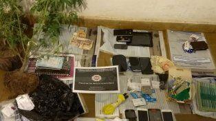 Cayeron cinco vendedores barriales de drogas en 10 allanamientos