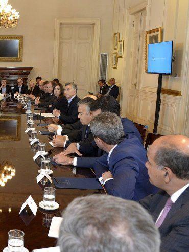 Firma. El 16 de noviembre de 2017 Lifschitz y el resto de los gobernadores –a excepción del de San Luis– rubricaron el acuerdo con Nación.