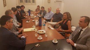 En Rosario. El encuentro tuvo como objetivo impulsar el acercamiento entre las instituciones.