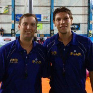 los hermanos kranenborg crecen en el arbitraje nacional de voley