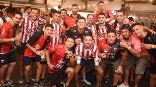 Cerveza Santa Fe unió a fanáticos de Unión y Colón para celebrar la amistad en la previa del clásico