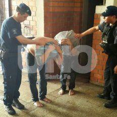 Cayeron presos cinco trapitos que rompieron una heladera social en la parroquia Luján