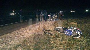 Un motociclista resultó herido al chocar con un camión en autopista Rosario-Buenos Aires