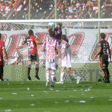 Con un gol de Correa, Colón le gana el Clásico a Unión