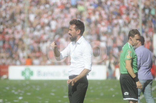 Domínguez dio un indicio pero se guarda sus cartas