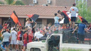 Banderazo de Colón en la última práctica del equipo
