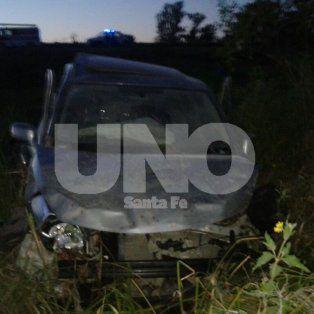 Fatal. Así quedó el automóvil en el que se trasladabaOscar Luis Dell´Acqua.