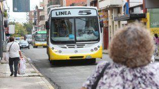 La ciudad renueva la flota de la línea 5 de colectivos