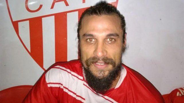 Osvaldo vuelve al fútbol con la camiseta de Talleres de Remedios de Escalada