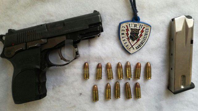Detuvieron a dos violentos sujetos con un arma de guerra cargada