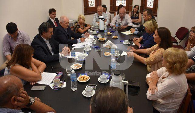 Encuentro. Lamberto brindó su informe ante los integrantes de la comisión de Asuntos Constitucionales de la Cámara de Diputados.