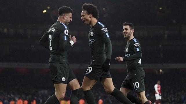 El City aplastó al Arsenal y sacó más ventaja