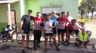 Durante todo el viaje recibieron el respaldo de los lugareños de distintas comunidades.