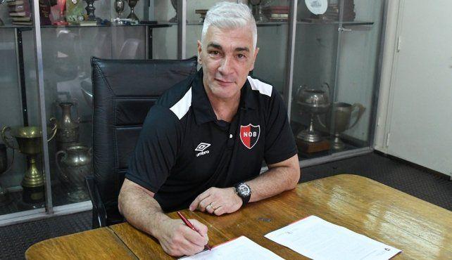 Newells confirmó a su nuevo entrenador